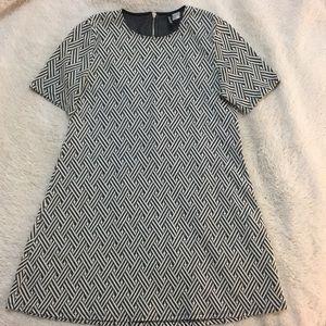 Dresses & Skirts - Grey and White Shift Dress